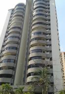 Apartamento En Venta En Valencia, Las Chimeneas, Venezuela, VE RAH: 17-10268
