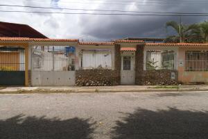 Casa En Venta En Municipio San Diego, Valle Verde, Venezuela, VE RAH: 17-10121
