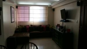 Apartamento En Venta En Maracaibo, Avenida Milagro Norte, Venezuela, VE RAH: 17-10122