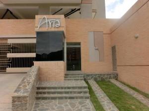 Apartamento En Venta En Valencia, La Trigaleña, Venezuela, VE RAH: 17-10159