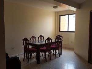Apartamento En Alquiler En Ciudad Ojeda, Intercomunal, Venezuela, VE RAH: 17-10166