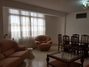 Apartamento En Alquiler En Ciudad Ojeda, Intercomunal, Venezuela, VE RAH: 17-10168