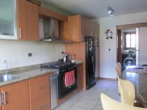 Apartamento En Venta En Caracas - Campo Alegre Código FLEX: 17-10174 No.14