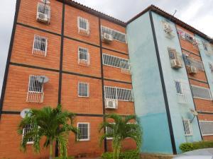 Apartamento En Ventaen Puerto La Cruz, El Paraiso, Venezuela, VE RAH: 17-10230