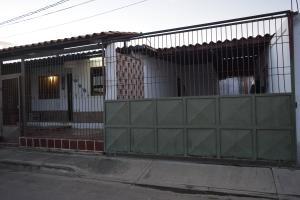 Casa En Venta En Barquisimeto, Parroquia El Cuji, Venezuela, VE RAH: 17-10198