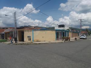 Casa En Venta En Municipio San Diego, El Remanso, Venezuela, VE RAH: 17-10203