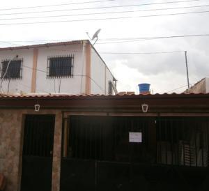 Casa En Venta En Municipio Los Guayos, Los Guayos, Venezuela, VE RAH: 17-10206