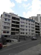 Apartamento En Ventaen Caracas, Los Chaguaramos, Venezuela, VE RAH: 17-10207