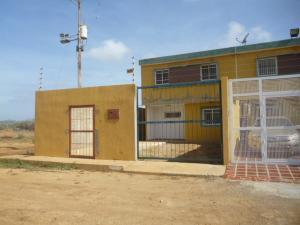 Townhouse En Venta En Punto Fijo, Guanadito, Venezuela, VE RAH: 17-6814