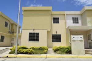 Casa En Venta En Cabudare, Trapiche Villas, Venezuela, VE RAH: 17-10229