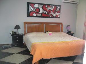 Casa En Venta En Maracay - La Maracaya Código FLEX: 17-10233 No.11