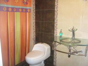Casa En Venta En Maracay - La Maracaya Código FLEX: 17-10233 No.17