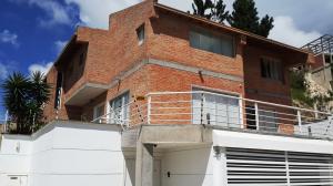 Casa En Alquileren Caracas, Los Guayabitos, Venezuela, VE RAH: 17-10258