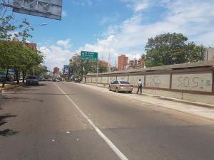 Terreno En Ventaen Maracaibo, Calle 72, Venezuela, VE RAH: 17-10266