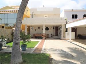 Casa En Alquileren Lecheria, Casas Bote C, Venezuela, VE RAH: 17-10289