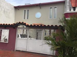 Casa En Venta En Municipio San Francisco, San Francisco, Venezuela, VE RAH: 17-10290