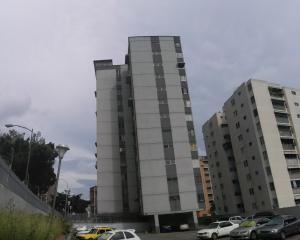 Apartamento En Venta En Caracas, El Marques, Venezuela, VE RAH: 17-10687
