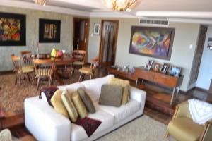 Apartamento En Venta En Maracaibo, El Milagro, Venezuela, VE RAH: 17-10327