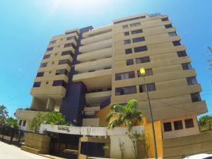 Apartamento En Venta En Parroquia Caraballeda, Caribe, Venezuela, VE RAH: 17-10577