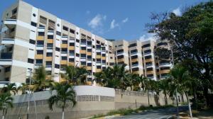 Apartamento En Ventaen Catia La Mar, Playa Grande, Venezuela, VE RAH: 17-10498