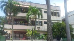 Apartamento En Venta En Valencia, Trigal Centro, Venezuela, VE RAH: 17-10408