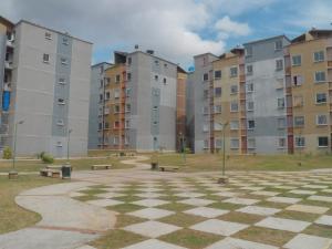 Apartamento En Venta En Municipio San Diego, Terrazas De San Diego, Venezuela, VE RAH: 17-10418