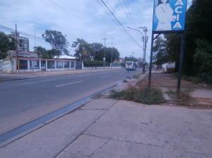 Terreno En Ventaen Ciudad Ojeda, Avenida Vargas, Venezuela, VE RAH: 17-10420