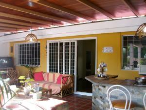 Casa En Venta En Caracas, Santa Cecilia, Venezuela, VE RAH: 17-10428