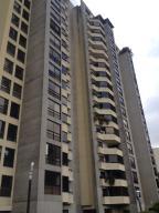 Apartamento En Venta En Caracas, La Florida, Venezuela, VE RAH: 17-10436