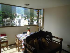 Apartamento En Venta En Caracas - El Marques Código FLEX: 17-10444 No.1