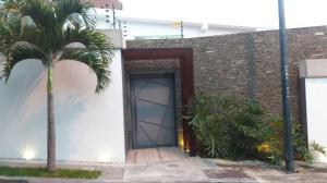 Casa En Venta En Caracas, Sebucan, Venezuela, VE RAH: 16-11283