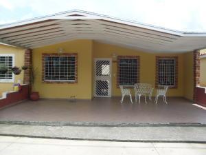 Casa En Venta En Acarigua, Bosques De Camorucos, Venezuela, VE RAH: 17-10527