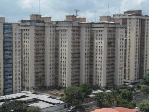 Apartamento En Venta En Maracay, Urbanizacion El Centro, Venezuela, VE RAH: 17-10533