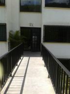 Apartamento En Venta En Los Teques, Municipio Guaicaipuro, Venezuela, VE RAH: 17-10543