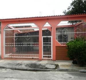 Casa En Venta En Guacara, El Saman, Venezuela, VE RAH: 17-10567
