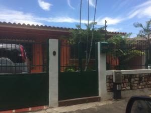 Casa En Venta En Valencia, Trigal Norte, Venezuela, VE RAH: 17-10598