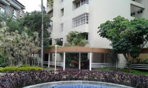 Apartamento En Venta En Caracas, Las Esmeraldas, Venezuela, VE RAH: 17-10582