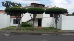 Casa En Venta En Barquisimeto, Los Libertadores, Venezuela, VE RAH: 17-10599
