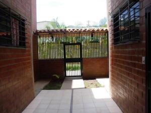 Apartamento En Venta En Caracas En Terrazas De La Vega - Código: 17-10616