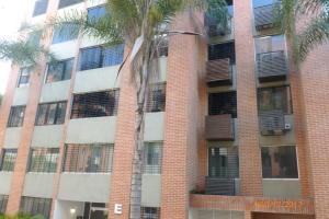 Apartamento En Alquiler En Caracas, Los Naranjos Humboldt, Venezuela, VE RAH: 17-11002