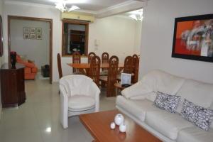 Townhouse En Alquileren Maracaibo, Doral Norte, Venezuela, VE RAH: 17-10634