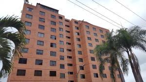 Apartamento En Alquiler En Caracas, Colinas De La Tahona, Venezuela, VE RAH: 17-10637