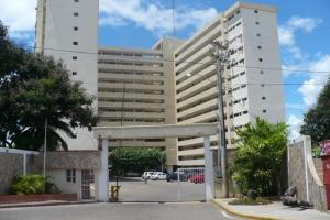 Apartamento En Venta En Maracaibo, Pueblo Nuevo, Venezuela, VE RAH: 17-10640