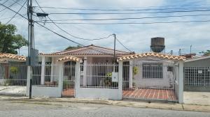 Casa En Ventaen Guacara, Ciudad Alianza, Venezuela, VE RAH: 17-10641
