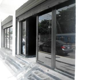 Local Comercial En Alquiler En Valencia, Avenida Bolivar Norte, Venezuela, VE RAH: 17-10661