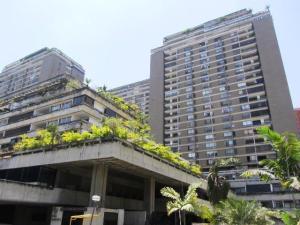 Apartamento En Venta En Caracas, Prado Humboldt, Venezuela, VE RAH: 17-10670