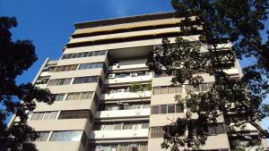 Apartamento En Venta En Caracas, Las Palmas, Venezuela, VE RAH: 17-10705