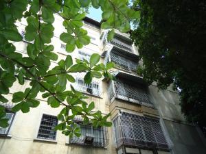 Apartamento En Ventaen Caracas, Los Chaguaramos, Venezuela, VE RAH: 17-10675
