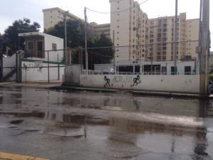 Local Comercial En Alquiler En Maracaibo, El Pilar, Venezuela, VE RAH: 17-10677