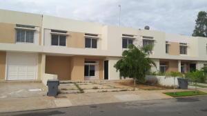 Townhouse En Ventaen Maracaibo, Avenida Milagro Norte, Venezuela, VE RAH: 17-10929